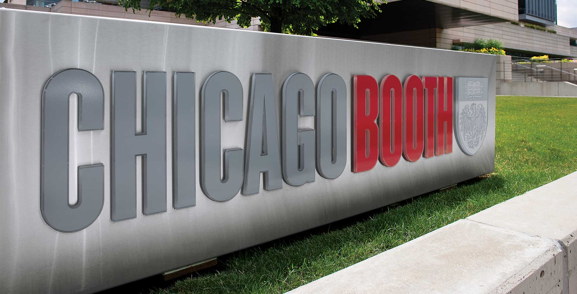 chicago booth school business essays If booth would be anything like its essay question, then i had found the school for me of all the application essays i wrote, booth's managed to be the hardest and the easiest.